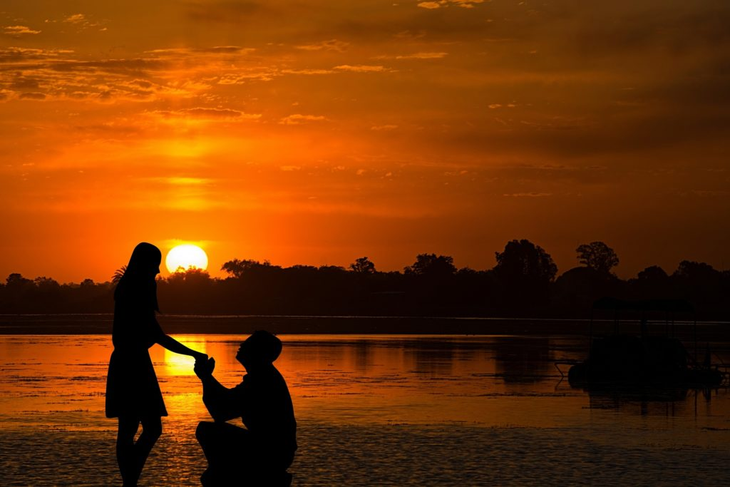 How To Make Your Marriage Proposal Romantic Ocean Beach